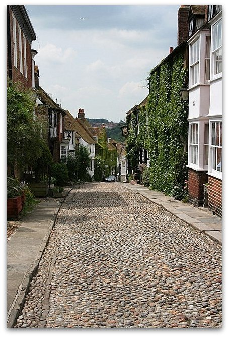 Copy of IMG_0270_Postcard perfect -  cobbled street in Rye