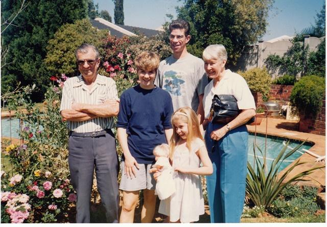 Oct 93  -  Mum and Dad 3